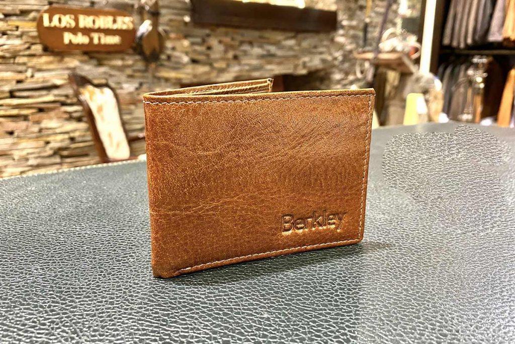 billeteras-personalizadas-regalos-empresariales-lr1-2.jpg